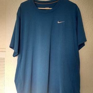 CLOSET CLEAN OUT Nike Fit Dry